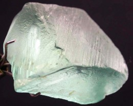 GREEN KUNZITE ROUGH  FROM AFGHANISTAN 28.25 CTS [MX9813]