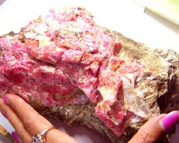 RHODHONITE COLLECTOR INVESTMENT SPECIMEN 2500G/12500CTS