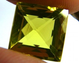 VS GOLDEN  QUARTZ -SQUARE CHECKERBOARD  CUT   6.20CTS [S543]