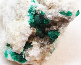 175.65CTS RARE EMERALD GREEN DIOPTASE FROM KAZAKHSTAN MGW134