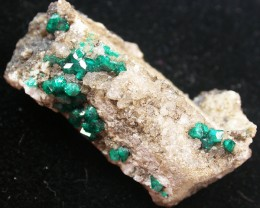 105.45CTS RARE EMERALD GREEN DIOPTASE FROM KAZAKHSTAN MGW137