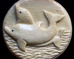 """DOLPHINS"" MAMMOTH CARVING 22.85 CARATS  RT 438"