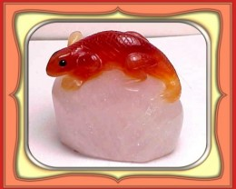 CARVING-258.5ct. Rare Chinese Red Agate Lizard Carving