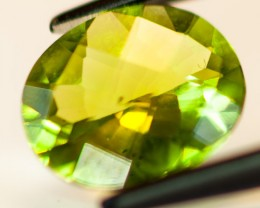 PERIDOT FACETED STONE  2.15CTS JW144
