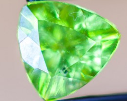 PERIDOT FACETED STONE  2.2CTS JW154
