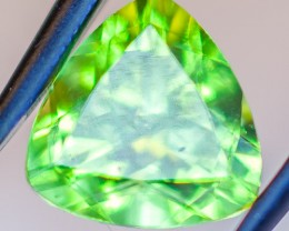 PERIDOT FACETED STONE  1.7CTS JW158