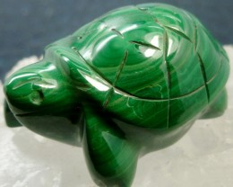 MALACHITE TURTLE CARVING 171.08 CARATS  RT 1647