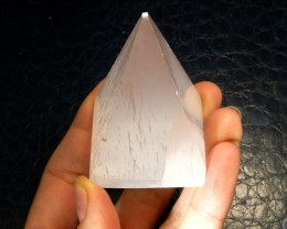 SELENITE PYRAMID SHAPE   CARATS 330.85  RT1758