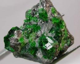 16.50 CTS GREEN GROSSULAR SPECIMEN [MGW2005  ]