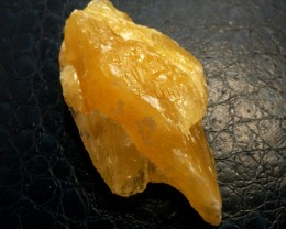 251.80 CTS ORANGE CALCITE SPECIEMN MS 633