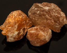 95 CTS BEAUTIFUL SUNSTONE ROUGH 3PC  RG-2633