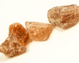 46 CTS BEAUTIFUL SUNSTONE ROUGH 3PC  RG-2640