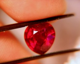 5.15 Carat Fiery VS Ruby Heart - Hand Held Gorgeous