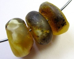 20 MM    3  PCS NATURAL  AMBER  BEADS 36.8 CTS  AGR319