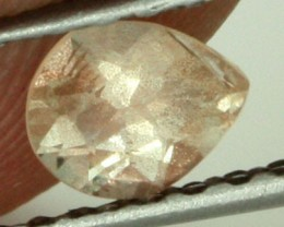 0.35 CTS CERTIFIED OREGON SUNSTONE WITH COPPER [LBO22]