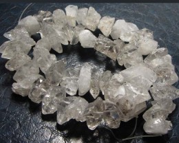 399 CTS WILD   CRYSTAL BEAD STRAND   GG 32