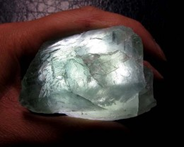 420 CTS NATURAL  FLUORITE ROUGH  MS 1427