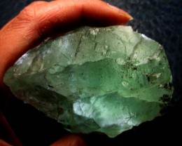 585 CTS NATURAL  FLUORITE ROUGH  MS 1440