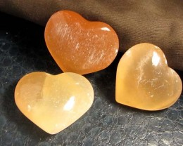 859 CTS PARCEL 3 SELENITE HEARTS PEACH COLOR     GG 130