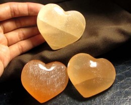 917 CTS PARCEL 3 SELENITE HEARTS PEACH COLOR     GG 131