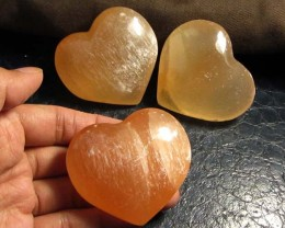 870 CTS PARCEL 3 SELENITE HEARTS PEACH COLOR     GG 132