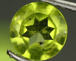 2.34 CTS PARCEL OF 3 BRIGHT OLIVE GREEN PERIDOT [SB877]