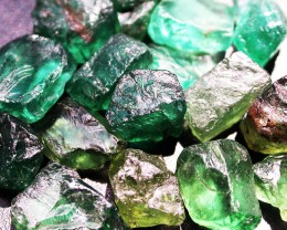 110.41 CTS APATITE ROUGH - GREEN COLOURS [MGW2984]