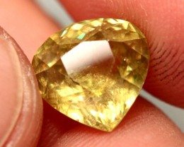 7.50 Carat Color Change Sphene - VS/SI - Beautiful