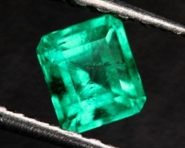 0.59 CTS SI CERTIFIED COLUMBIAN EMERALD - TOP COLOUR [BRE44]
