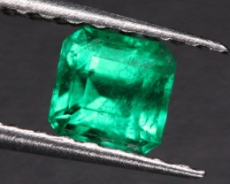 0.54 CTS  CERTIFIED COLUMBIAN EMERALD - TOP COLOUR [BRE45]