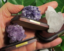 .247KILO  3X  AMETHYST/CRYSTAL  SPECIMENS  ON  STAND MS 1922