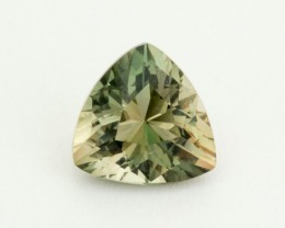 2.3ct Oregon Sunstone, Green/Champagne Triangle (S1633)