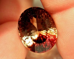 24.94 Carat VVS1 Flashy Natural, Untreated Bi-Color Topaz