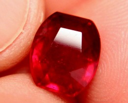 6.70 Carat VS Cherry Ruby - Fiery and Beautiful