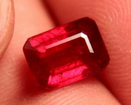 3.65 Carat VVS/VS Fiery Cherry Ruby - Superb