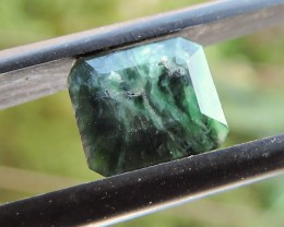 1.55ct MAW SIT SIT EMERALD FACETED SPECIMEN GEMSTONE FROM MYANMA
