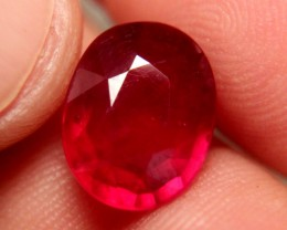 6.91 Carat VS Pigeon Blood Ruby - Fiery and Beautiful