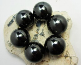 100   GRAMS 6  MAGNETIZED HEMATITE STONES  GG 1286