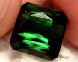 CERTIFIED - 4.90 Ct VVS1 Green Nigerian Tourmaline - Superb