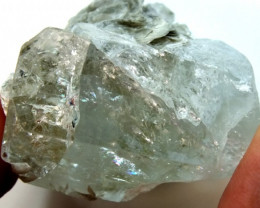 195.20 CTS AQUAMARINE ROUGH SPECIMEN  RG-392