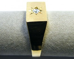 9 K GOLD RING    6 GRAMS SIZE 10    LR 4