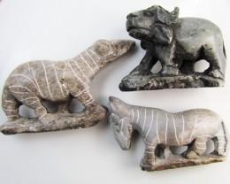 0.232 KiloThree AfricanWild  Animal Carvings  GG 2249