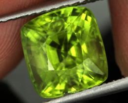 4.75 CTS CERT Stunning Fresh Lime Green Peridot Stone(PEG59)