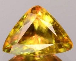 Sparkles with Brilliance Bright GreenYellow Sphene VVSRS33/1