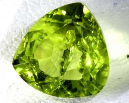 PERIDOT FACETED STONE2.15  CTS TBG 668