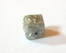 RARE NATURAL DIAMOND CUBE 0,88 CT