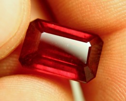 7.98 Carat VS Pigeon Blood Ruby - Superb