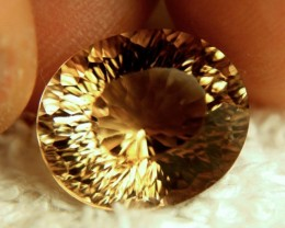 13.93 Carat VVS1 Golden South Amercan Topaz - Gorgeous