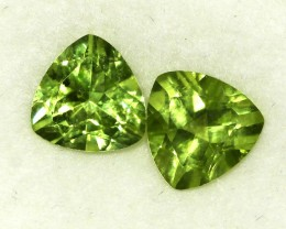 2.66 CTS PAIR OF TRILLIANT CUT PERIDOT GEMS (ST8598)