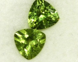 2.89 CTS PAIR OF TRILLIANT CUT PERIDOT GEMS (ST8597)